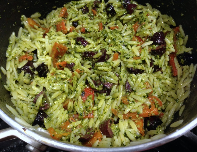 Orzo Pasta with Roasted Red Pepper and Olives